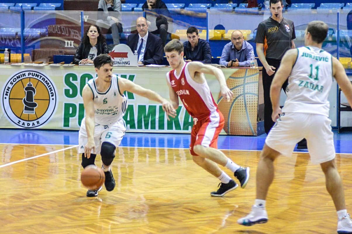 Dino Palčić 10 koševa, 10 skokova i 15 asistencija. Gasi sve.
