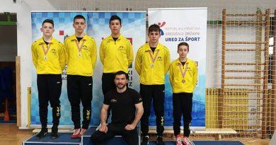 Hrvački klub Zadar treći u državi u ekipnoj konkurenciji kod starijih dječaka