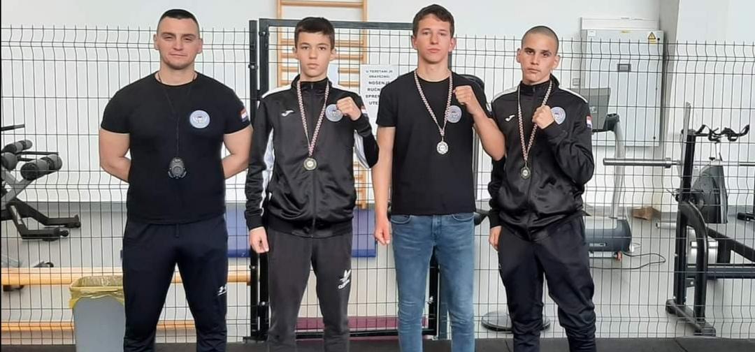 PH U BOKSU Srebrni Frane Šare i Petar Maltež (BK Ares), brončani Luka Bukvić (BK Ares) i Angelo Pauković (BK Sv. Krševan)