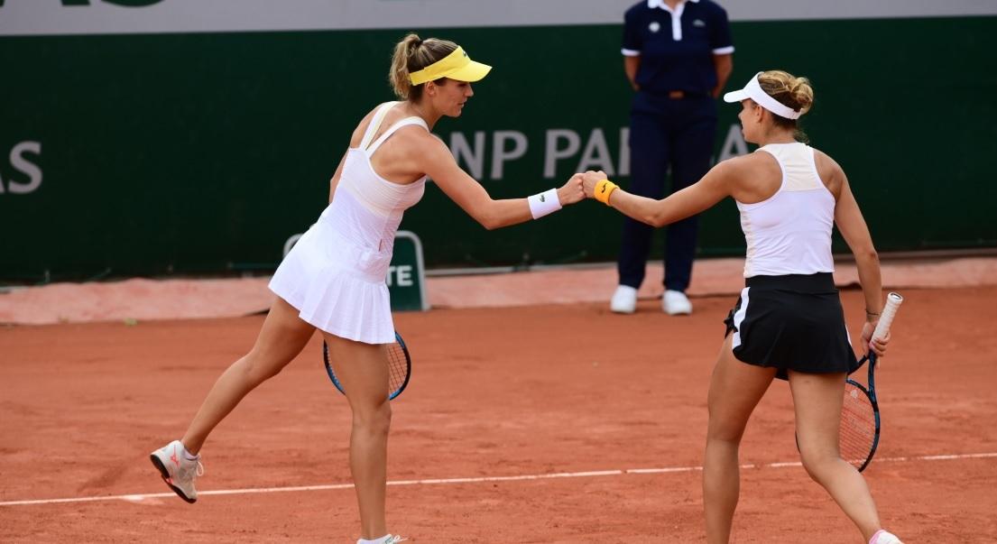 PARIŠKI SAN Bernarda Pera i Magda Linette u polufinalu Roland Garrosa!