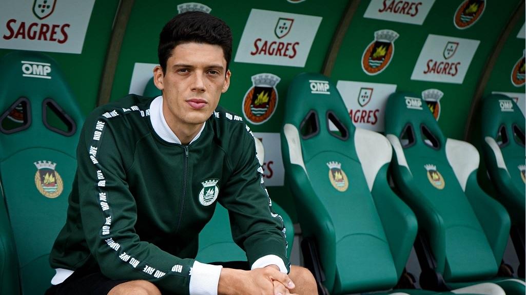 BEM-VINDO! Renato Pantalon put Portugala